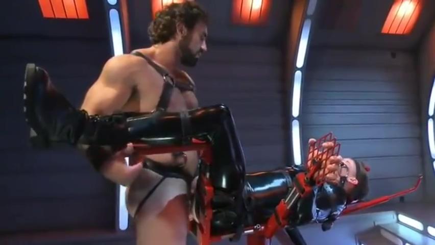 Esclavo castigado y torturado por su amo con pasion por el latex hentai big boob red head blowjob