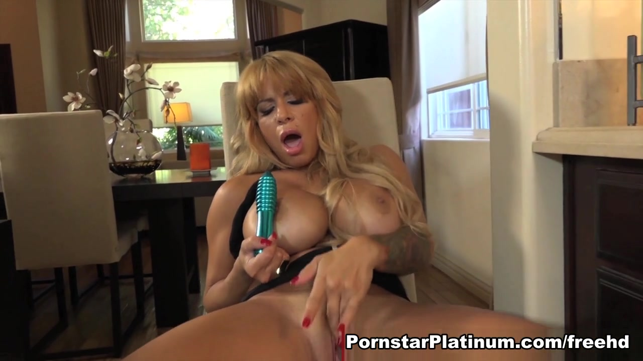 Alyssa Lynn Cooking Up Something Hot - PornstarPlatinum Easy a fake sex