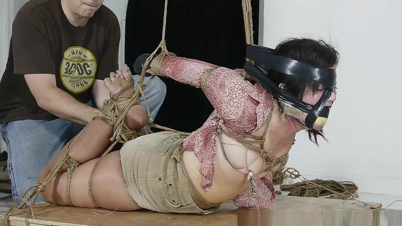 Gigi in strict bondage part 2 alicia keys nude gif