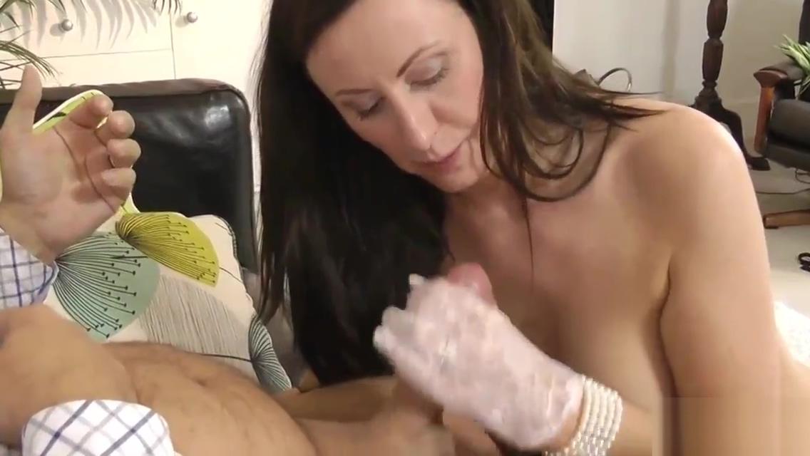Mature brit slut facial Asian online dating canada