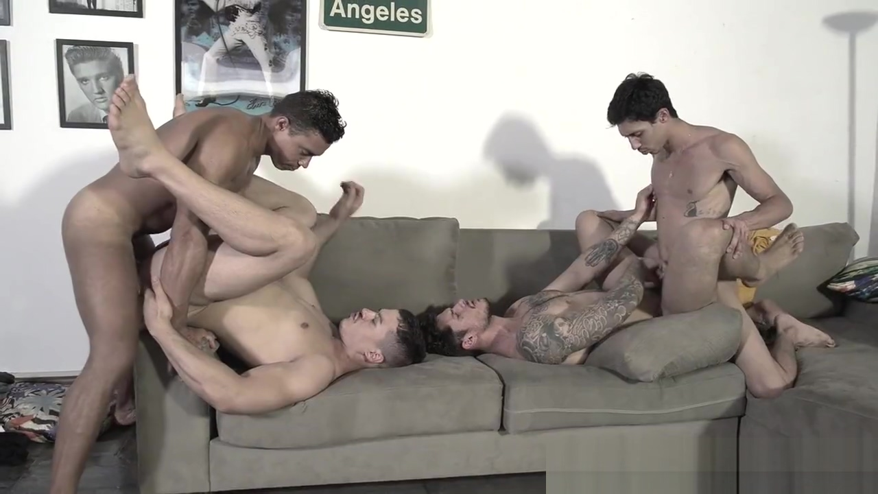 Meninos OnLine - Another Foursome Sloppy wet blowjob