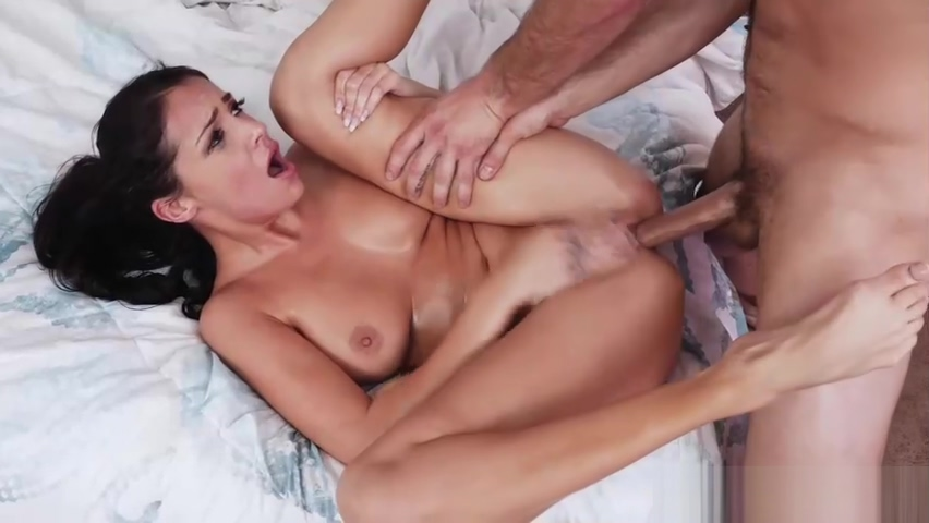 Damon Rice receive a deep throat blowjob from Sofie Ryan sex blonde mom and young son