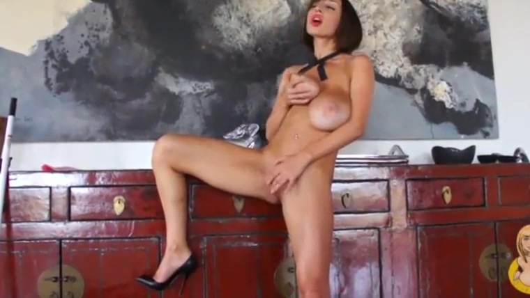 Sexy Venera French Maid Pink boobs naked