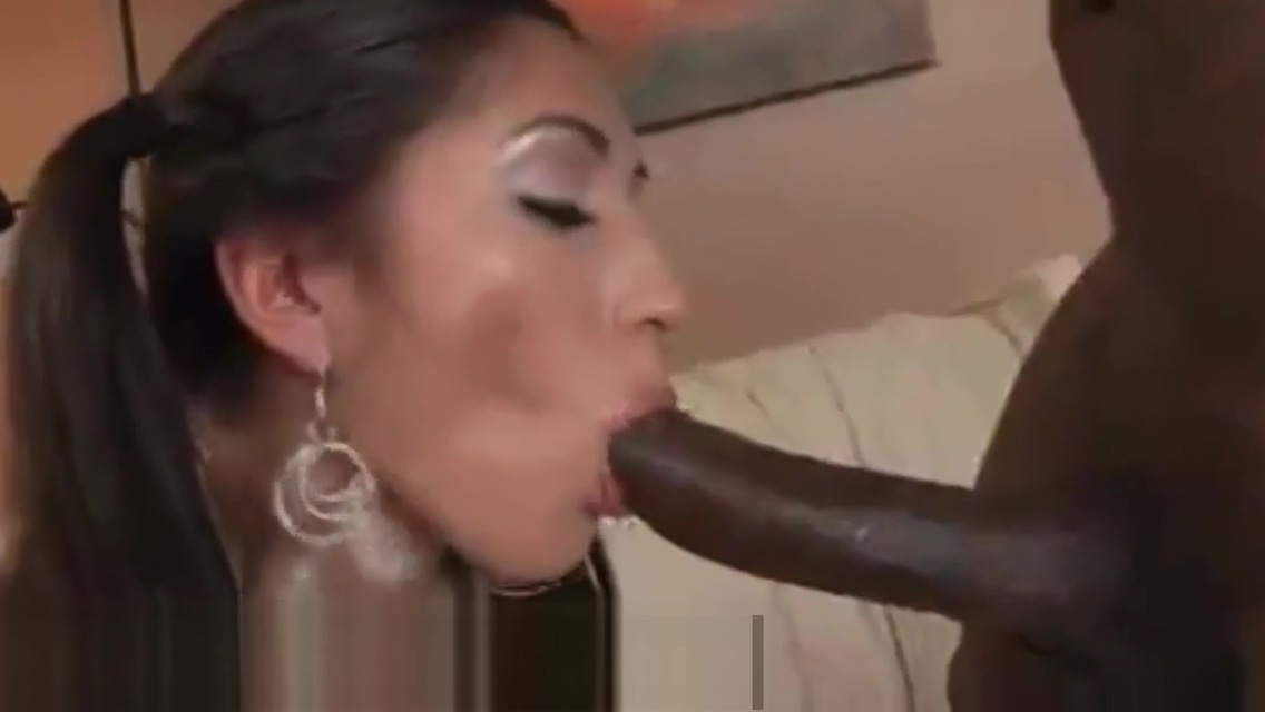 She has ass for days Moms picked up and fucked