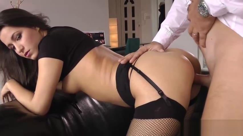 Teen ass jizzed by geezer tyra banks sex tape