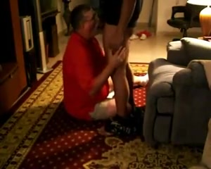 Tom and Kuwait friend Mature milft pay plumber with her pussy