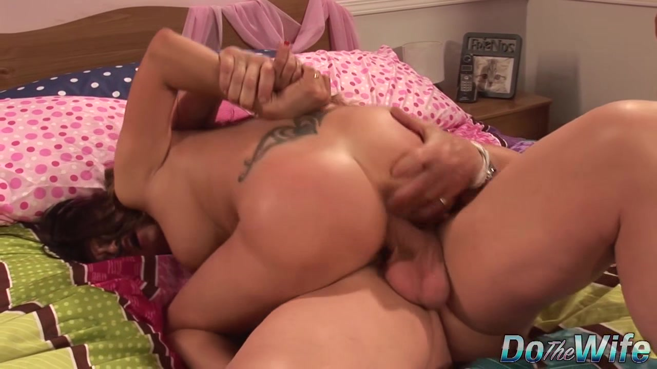 Excited Cuckold Helps a Fat Dicked Guy Pound His Wife Mariah Silver