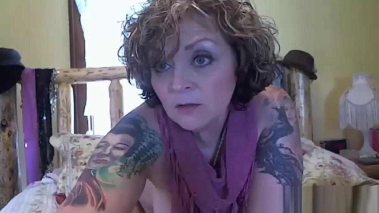 Tattooed mature babe masturbates Carole radziwill princess