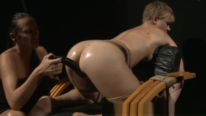 LEZDOM domina enjoys fucking sub with dildo
