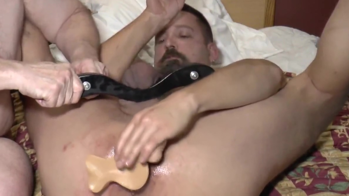 23-May-2019 subcuntboy cunt double dildo with CBT raised star on bottom