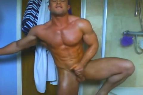 British bodybuilder flexs and jerks. Sexy pantyhose babe
