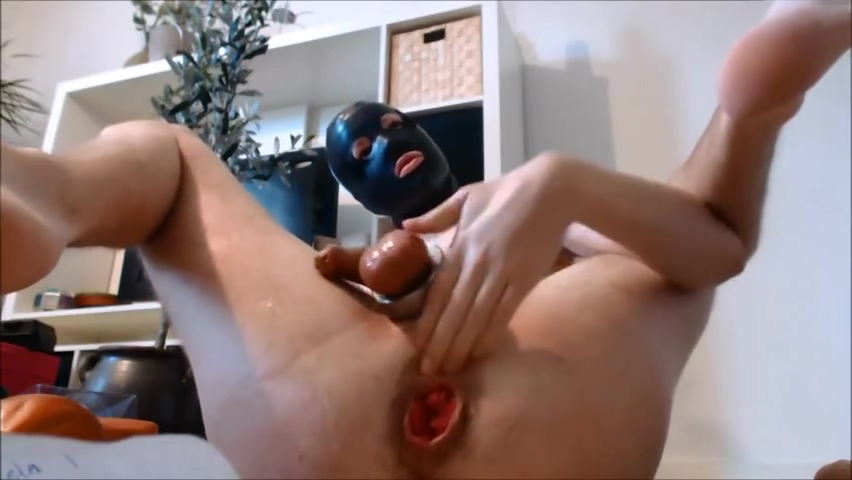 sloppy rosebud prolapse Hot milf squirts in her pants porn
