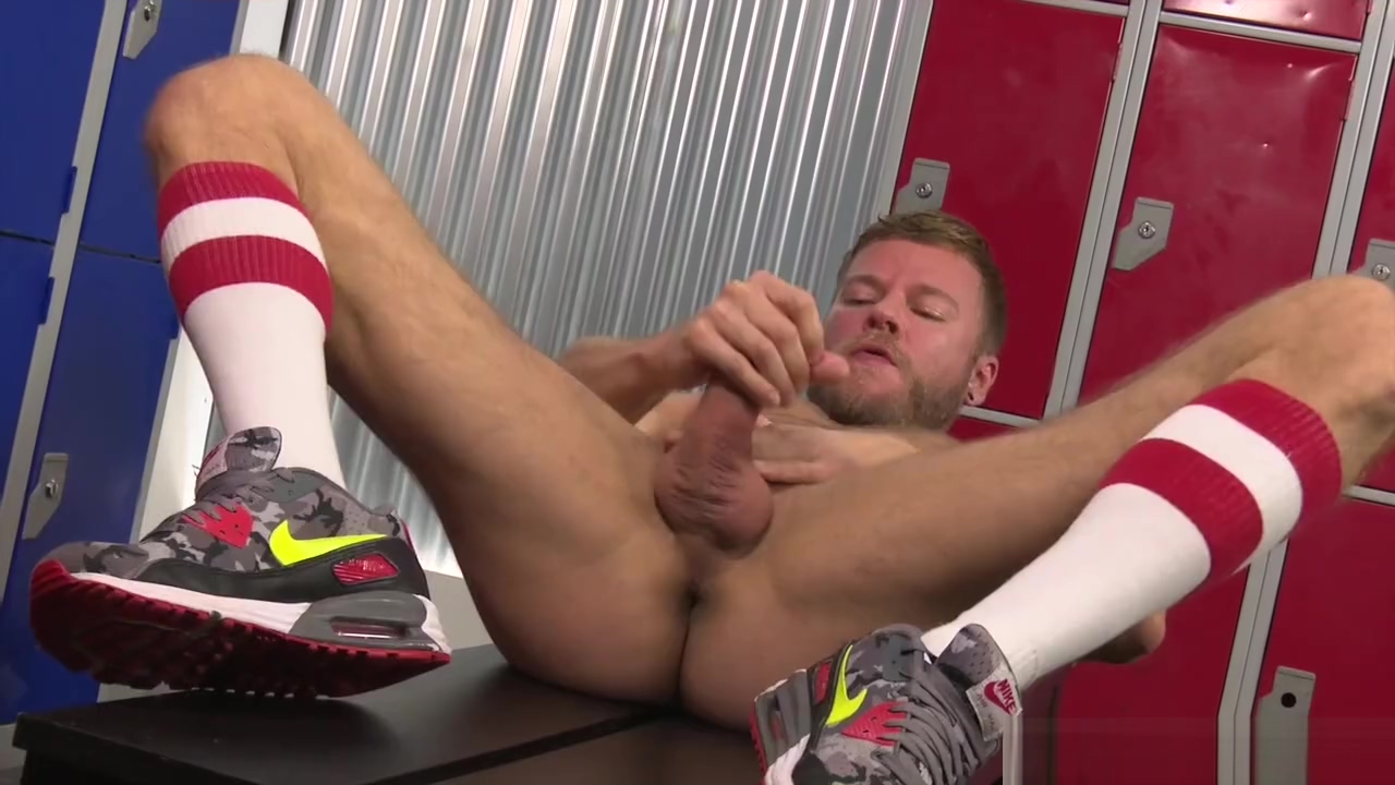 EURO Hot JOCK : Jerking HUNK : **MATT ANDERS** : 13-NOV-2016 : REQUESTED 7 reasons you need to continue hookup after marriage