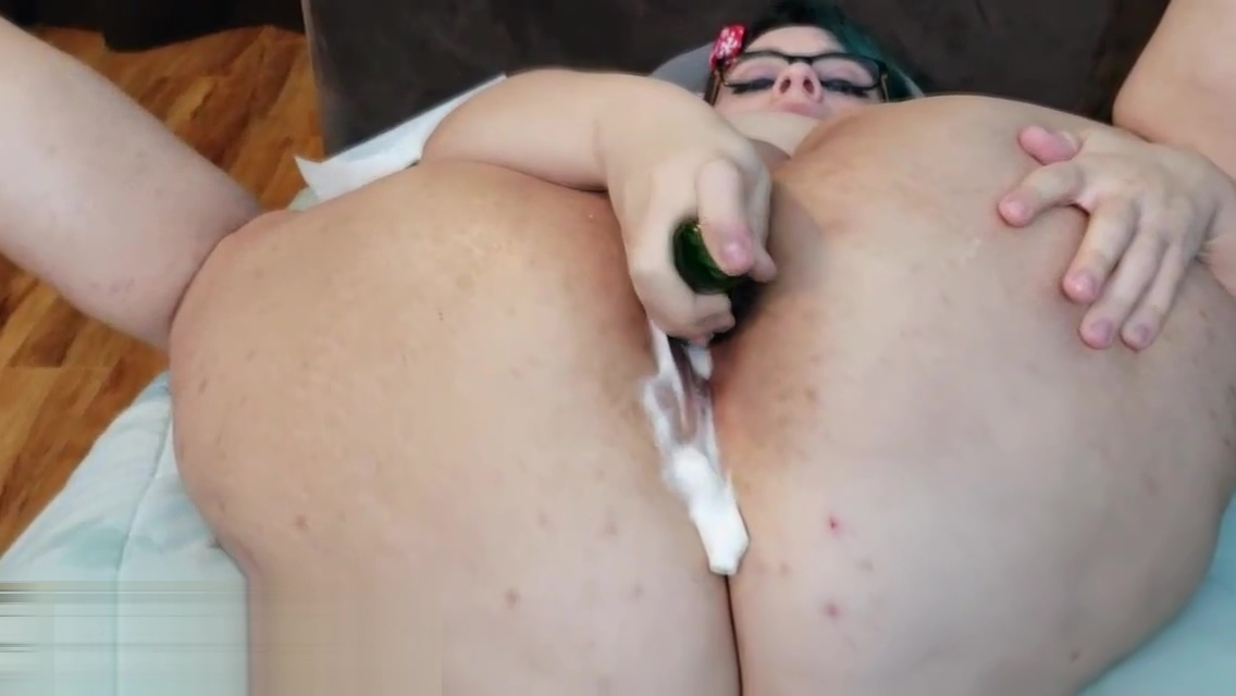 Anal Gape Adventures 4 - Kiwwi stuffs her ass with vegetables and whipped cream! PART 1 big black dicks tight white pussy