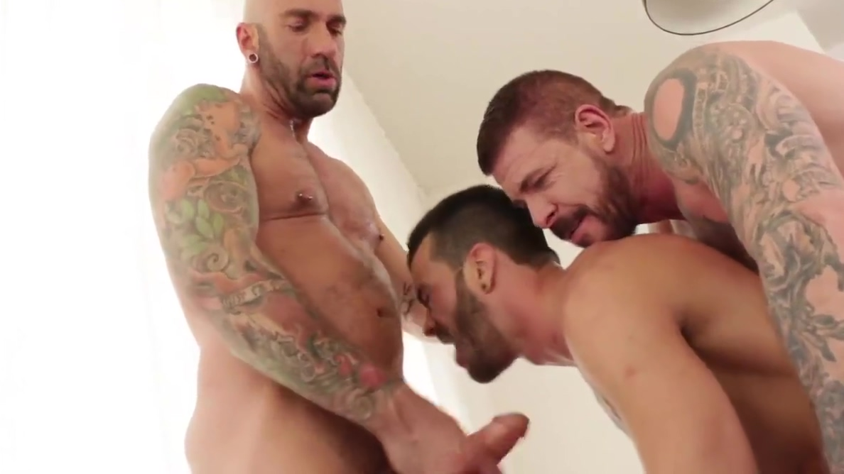 Jump Into Rocco Steeles Breeding Party deep throat see inside