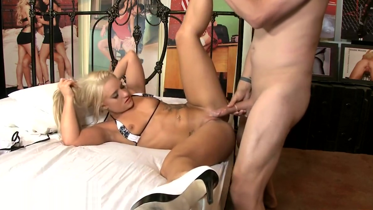 Hot Cali Carter Gets Facial By ERIC JOHN Live - Erotique TV serena williams nude fakes