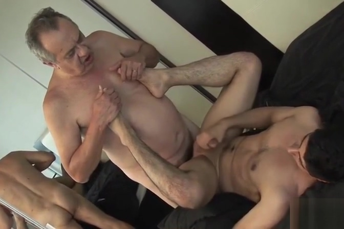 THE MOST DESIRED DADDY TO MAKE A PORN VIDEO oral sex on my brother swalloed