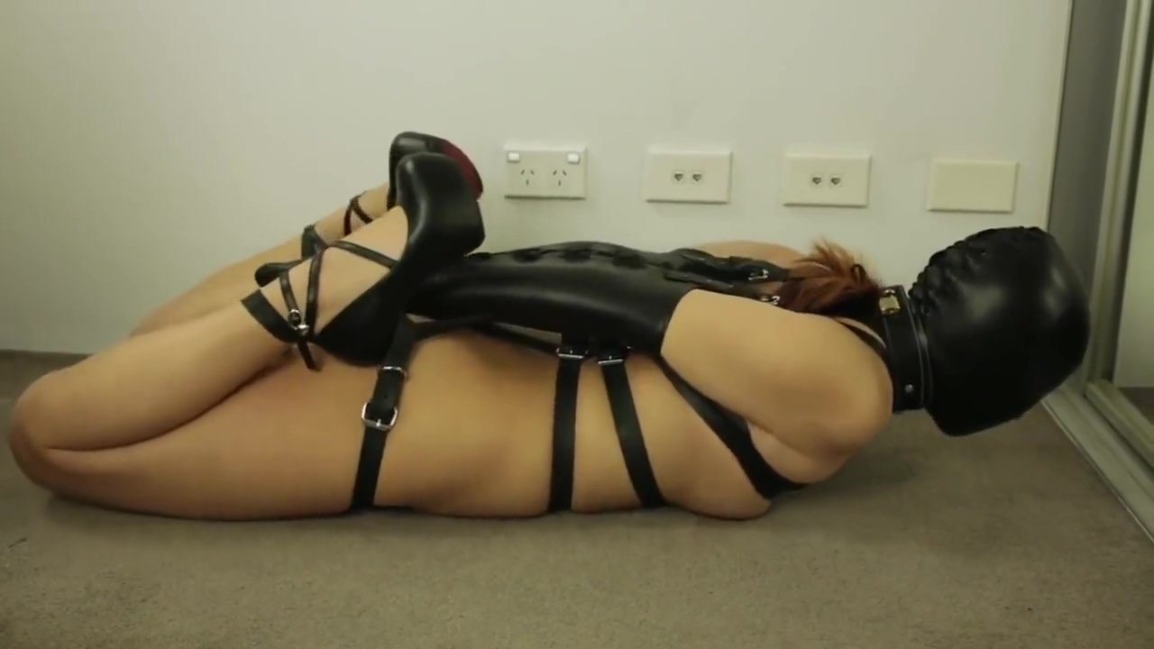 very tight leather bondage Erotic suckling photos
