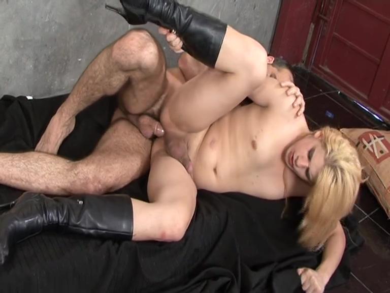 Latina transvestite takes a dick - Latin-Hot Natural busty lesbian latinas
