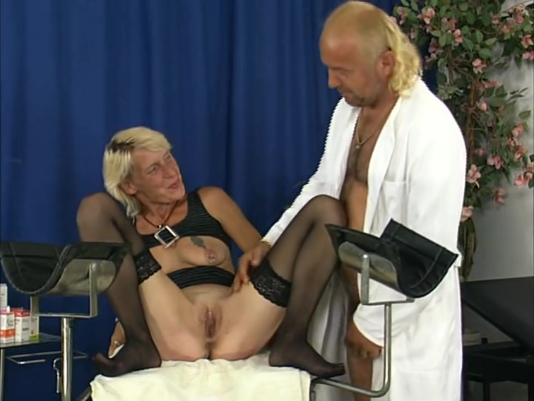 Mature Chick Gets Fingered By Doctor - DBM Video Milf fucking on sofa bvr