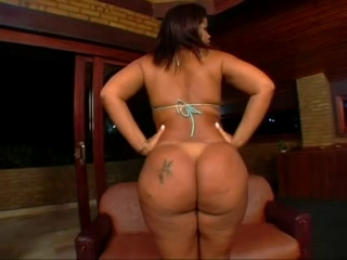 Brazilian big beautiful woman Moura The game castle crush