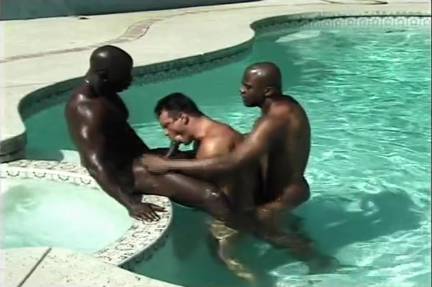 Pool Menage A Muscles - Pacific Sun Entertainment Southern Lesbos