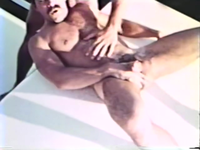 Vintage footage of guys fucking on a boat - Blue Vanities Hook up with girl in Magangue