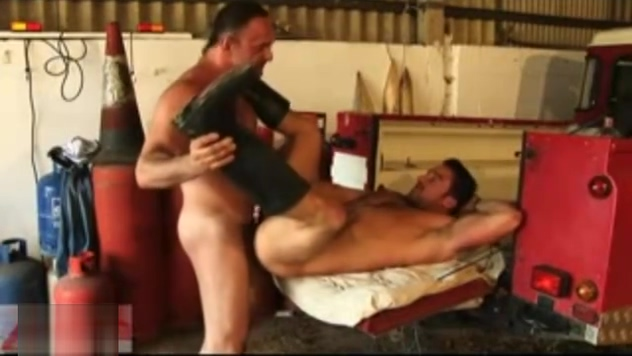 Hairy Muscle Fuck in the Garage Sex phone phonesex chatting