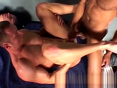 Black and white group anal sex (part 2) Porsche cayenne steering falty