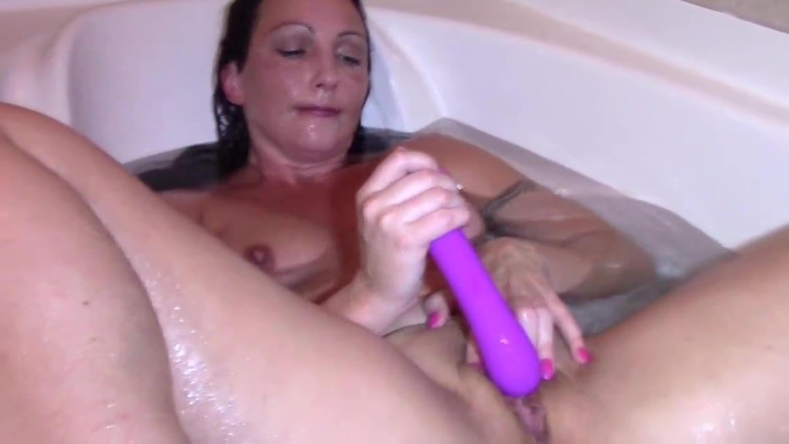 Wenona masturbates in the tub till orgasm Jenny hill big boobs view galleries