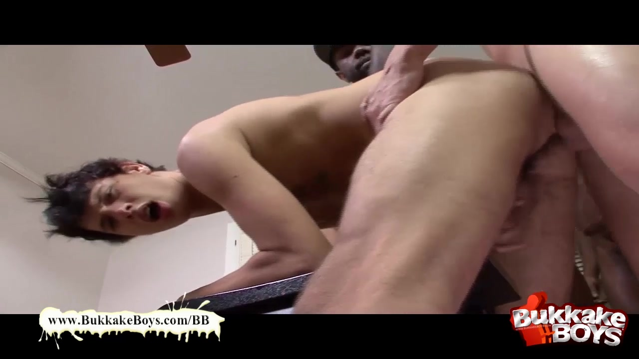 Student bareback gangbang Eating out her milf pussy