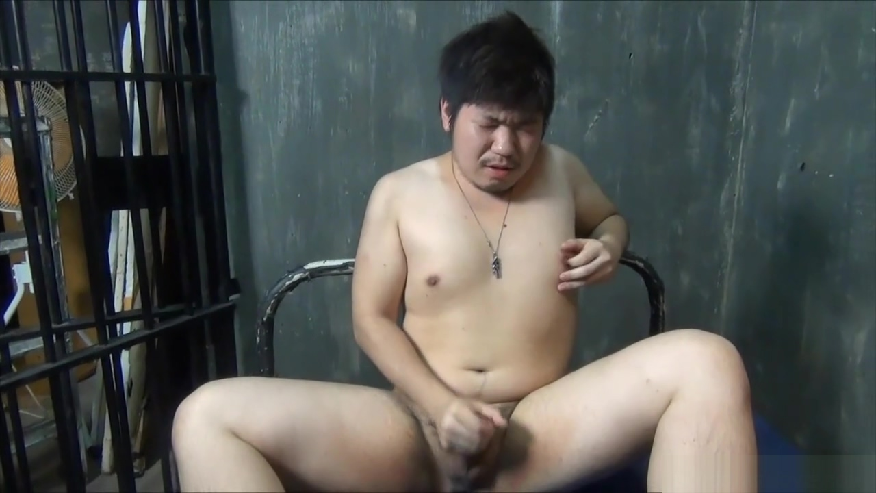 uncensored japanese bear jerk off HD Bounceing tits gif