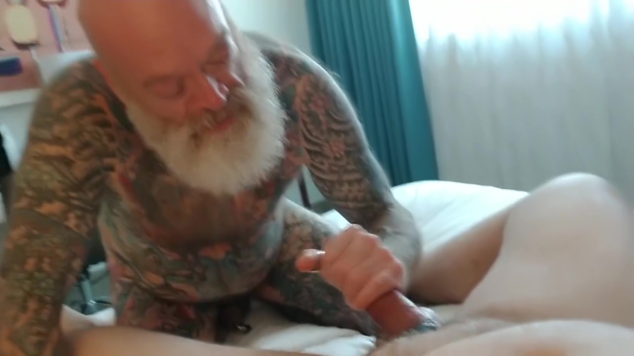 Inked Daddy Bear Playing with Smoking Hot Bear at Tidal Wave 2019 Chinese milf tits small