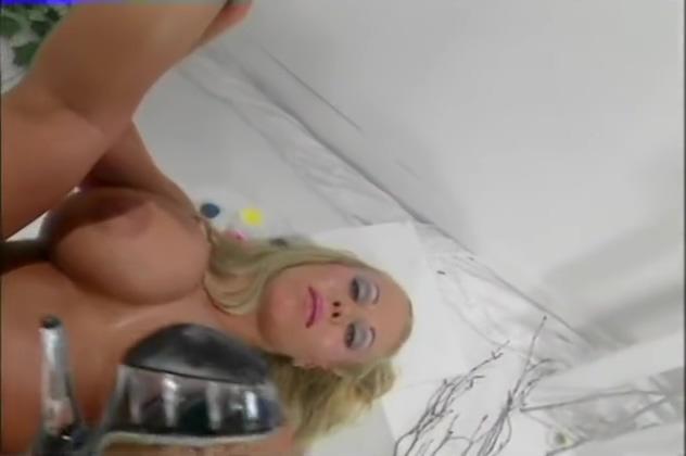 Fingering Herself- Bizarre 2 channel oscilloscope online