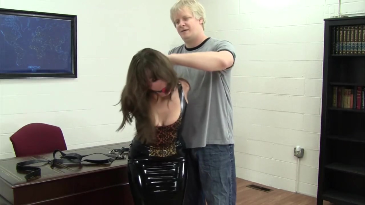 Elizabeth Andrews Trying Out Mittens for gay wedding in