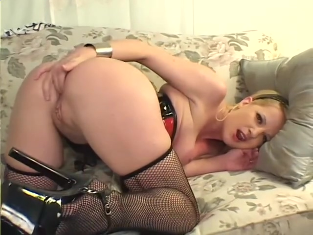 Pussy Dillying- Screw My Wife colege girls getting fucked