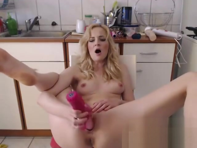 Hottie plays on cam Monica barbaro nude pics