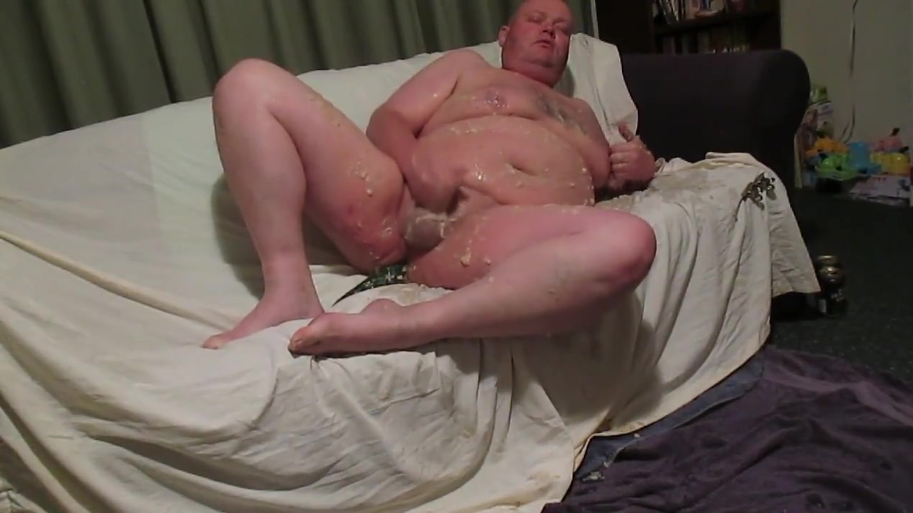 Internet Chubbies - Fat man acquires very VERY messy! part 1 Zoe rae porn