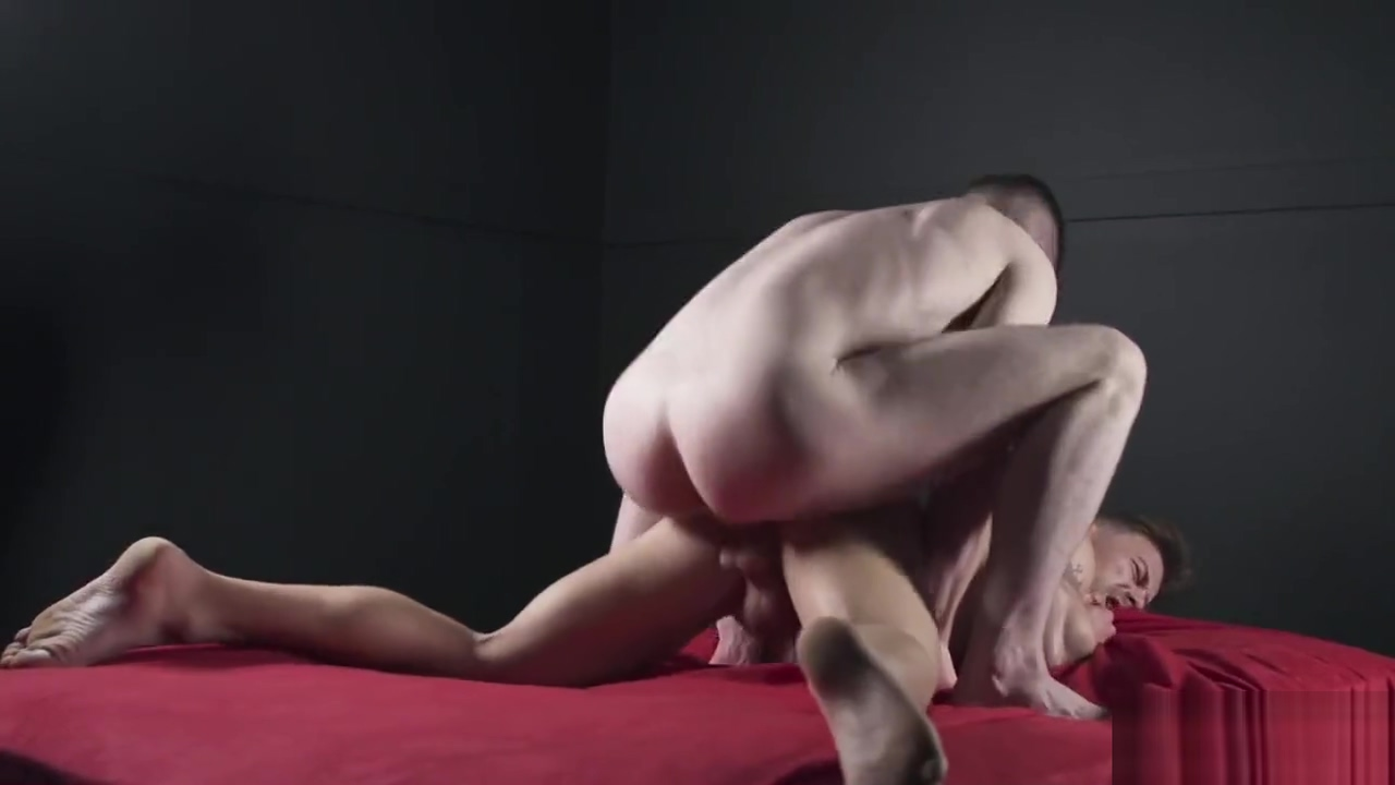 Igor Romani & Thyle Knoxx - Fuckerbate (Bareback) Sexy girl nudist doing yard work