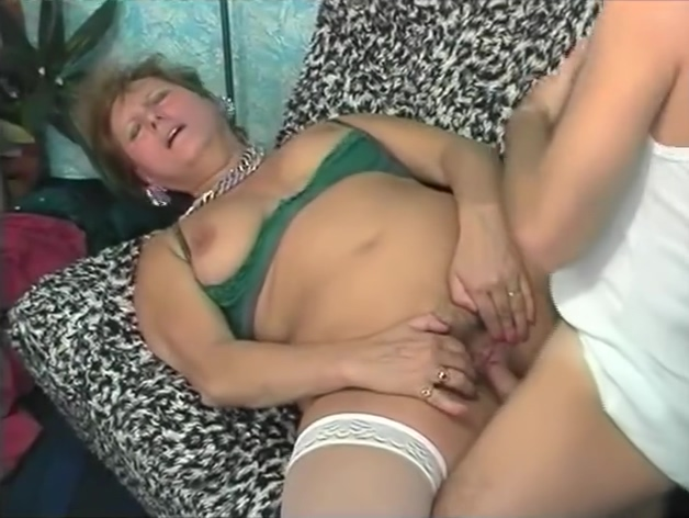 Little Help From My Dildo - Julia Reaves Free Lesbian Porn Eating Out