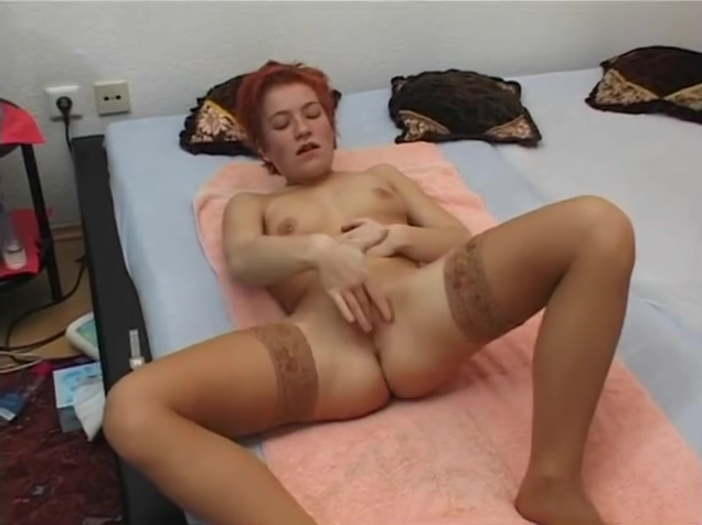 Redhead rubbing one out - Julia Reaves sluts hottest chubby girl anal