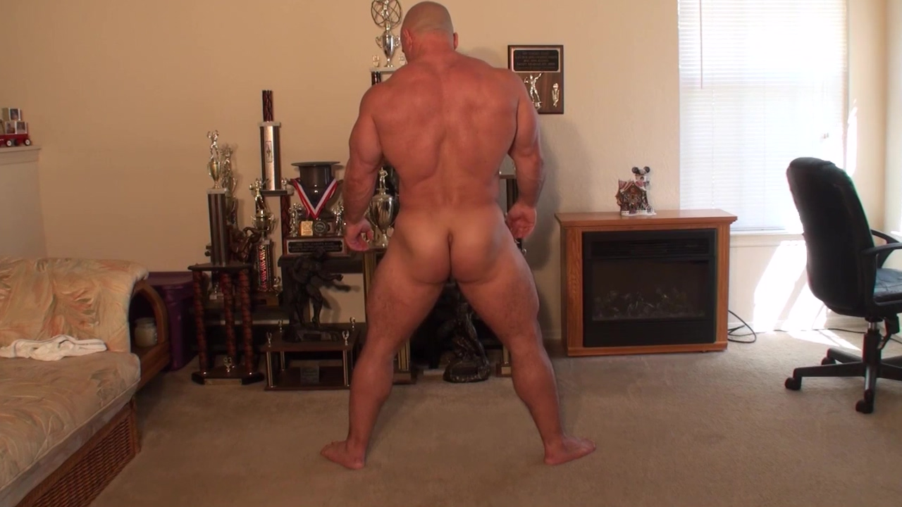 Flex and stretch Giving themself a blowjob video