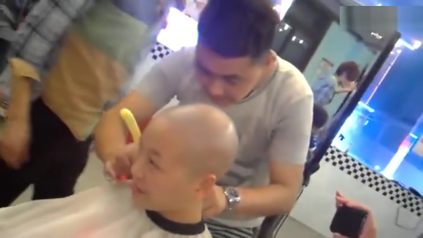 two girls headshave Two milfs on fire with one cock