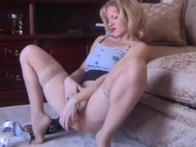 Slutty Mature Dildos in tan stockings sex with rubber catsuite