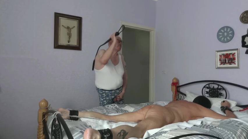 Master and slave having fun Older women huge tits pics
