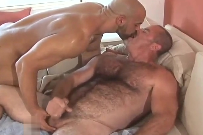 Tim Kelly and Tony Daniels xhamster double barrel blowjob