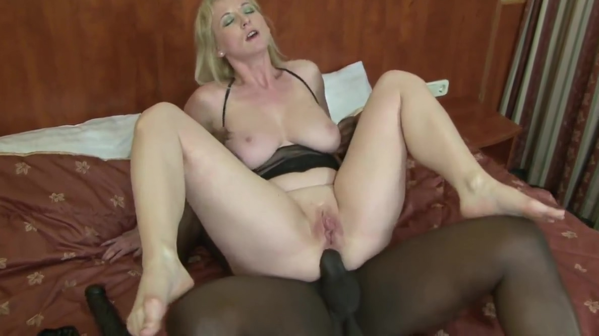 Horny MILF masturbates with a toy before black hunk bangs her Pussy american black