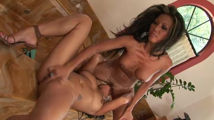 Bonny asian slut having a wonderful time by Masturbating