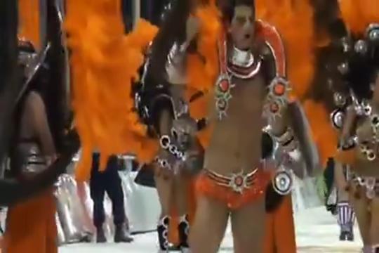 Latin Male Dancers Sucking my cock in Tan An