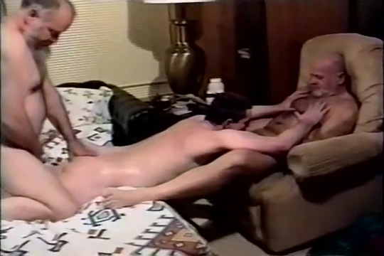 Pappa Menage A Trois Pantyhose thai suck penis and facial